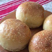 地粉で焼くパン