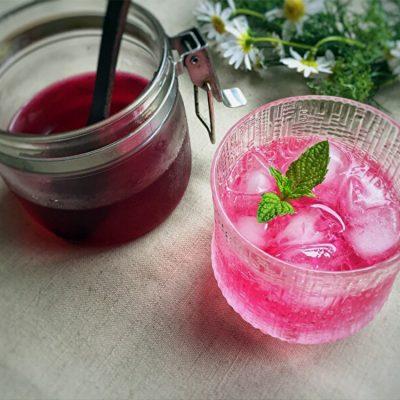 赤紫蘇ジュースとマゼンタ